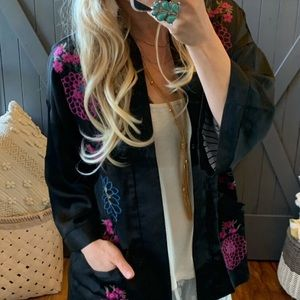 Black Embroidered Lined floral Kimono Jacket